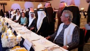 尤努斯博士參加18屆世界微型信貸會議