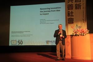 專題演講一,主講人:Rob John博士,講題:Resourcing Innovation: the journey from idea to impact. 創新資源化:從理念生成到影響力形成