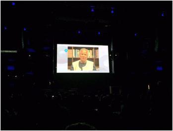 尤努斯博士於會議中的影片